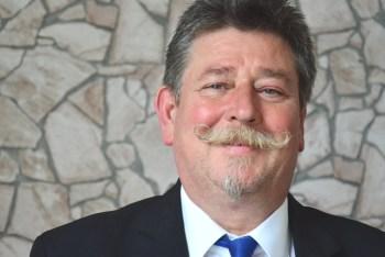 Klaus Ugolini, Kaufmann der Grundstücks- und Wohnungswirtschaft Ehrenamtlicher Gutachter im Gutachterausschuss der Stadt Bergisch Gladbach