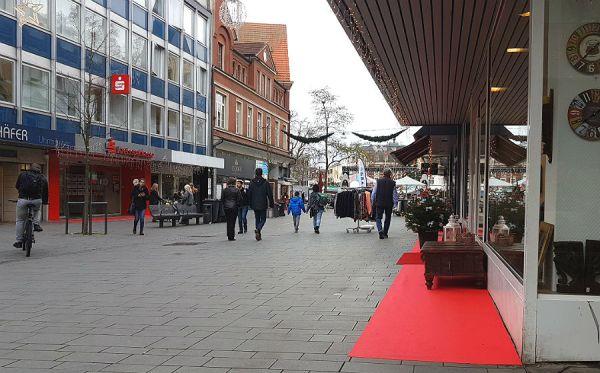 Rote Teppiche, Weihnachtsbäume, Weihnachtsbeleuchtung: Die obere Hauptstraße soll gemütlicher werden