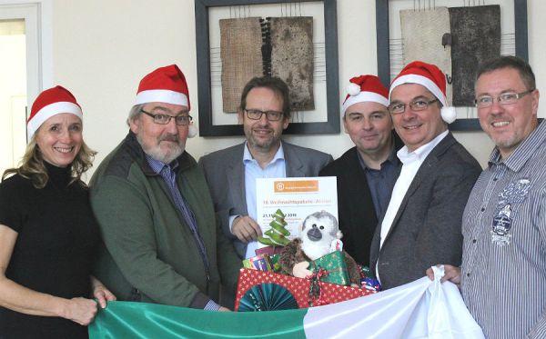 Britta Schmitz (Schriftführerin), Bernard Wewer (Weihnachtspakete-Team), Marcus Fehler (Vorsitzender), Markus Kerckhoff (Stellvertretender Vorsitzender), Bürgermeister Lutz Urbach, Olaf Schmiedt (Schatzmeister)).