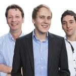 Florian Trautmann (mitte) mit Mitarbeitern der IT intouch GmbH, Bergisch Gladbach