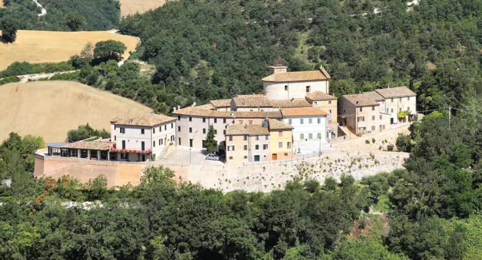 Casa Oliva Holiday Apartments Bargni di Serrungarina Marche