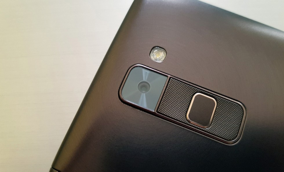 lg-stylus-2-in2mobile-camera