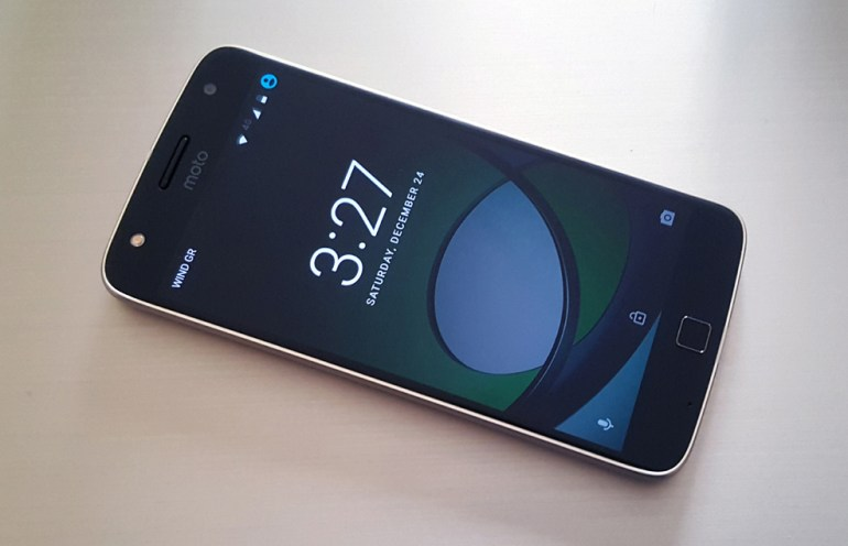 Motorola Moto Z Play Review: Διαφορετικό και ενδιαφέρον