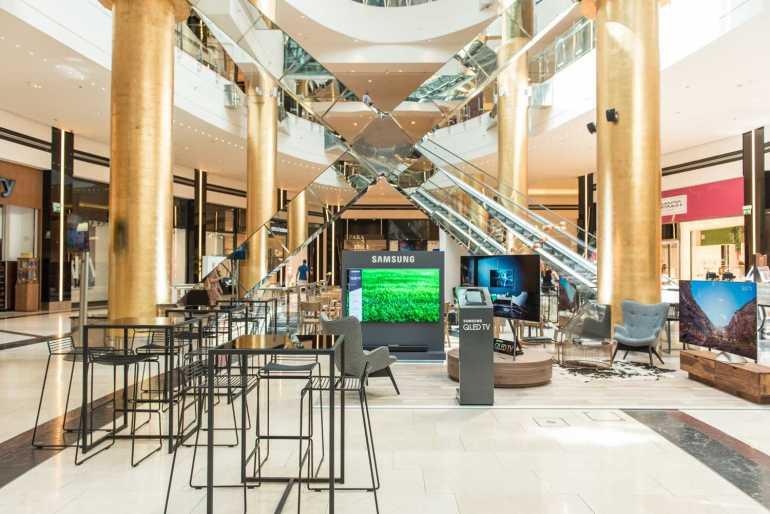 Samsung QLED TV στο Golden Hall