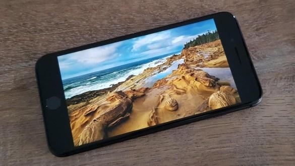Apple iPhone 8 Plus Review : Νεότερο και καλύτερο παντού