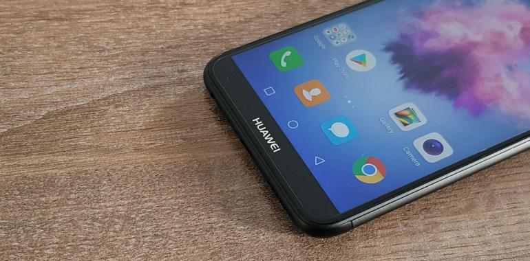 Huawei : Ακόμα κι όταν είμαστε μακριά, είμαστε σε επαφή