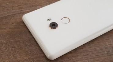 Xiaomi Mi 7 με αισθητήρα αποτυπωμάτων κάτω από την οθόνη