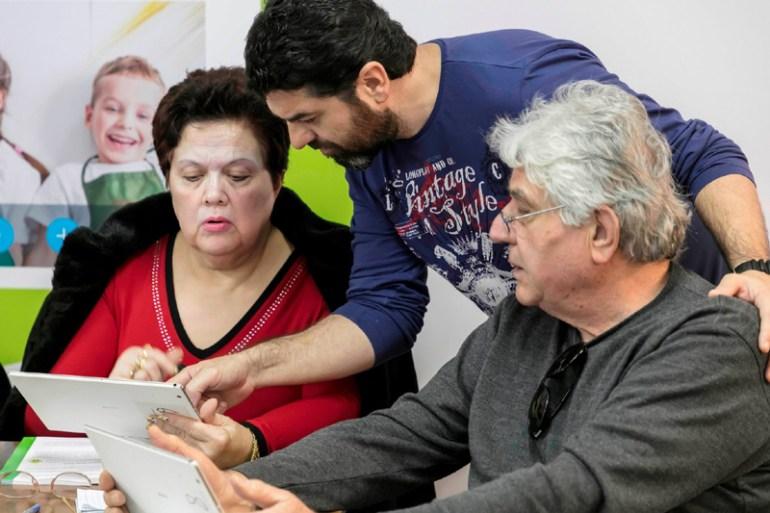 COSMOTE: Δωρεάν μαθήματα χρήσης των ψηφιακών μέσων για τους ανθρώπους μεγαλύτερης ηλικίας