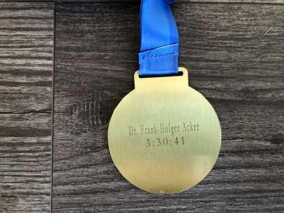 Rückseite Medaille Hannover Marathon 2019