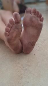 Änglas smutsiga små fötter