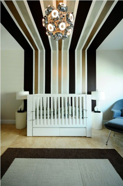 stripes-up-to-the-ceiling
