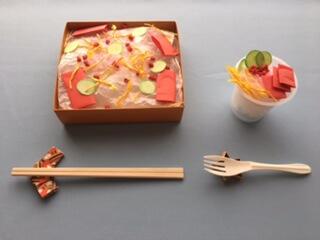 折り紙で作ったちらし寿司とカップ寿司