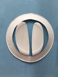 紙皿で作ったウサギの耳