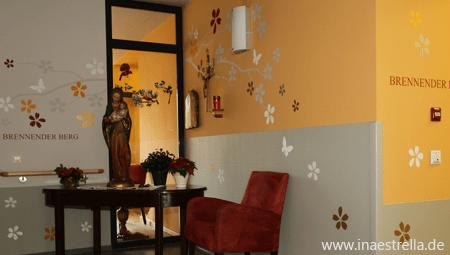 Wandgestaltung Wohnbereich Altersheim