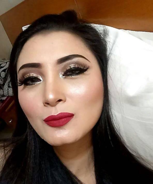 1 39 Wajah Dela Puspita Tanpa Make Up ini Bikin Heboh, Mau Lihat