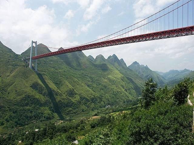 4 12 10 Jembatan ini Bikin Kamu deg degkan Melewatinya, Seram Abis!