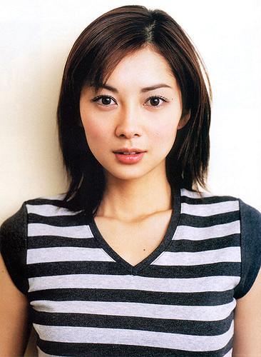 4 7 Padahal Usianya Udah gak muda lagi tapi kecantikan dan keseksian Artis Jepang ini masih awet