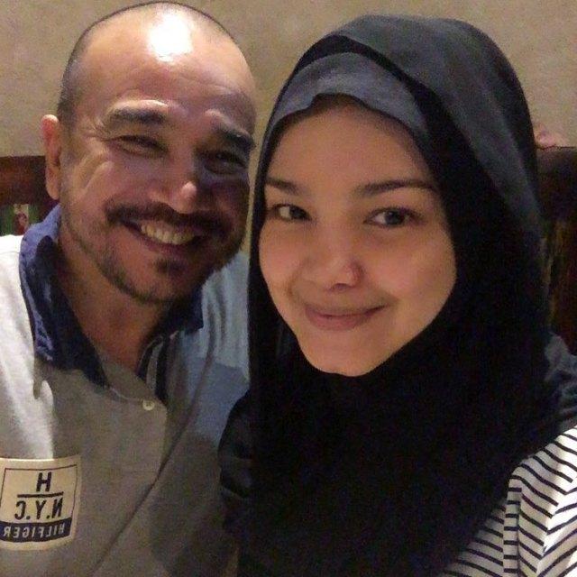 5 34 Katanya Lagi Hamil, Seperti ini nih 7 Penampilan Terbaru Siti Nurhaliza. Mau liat