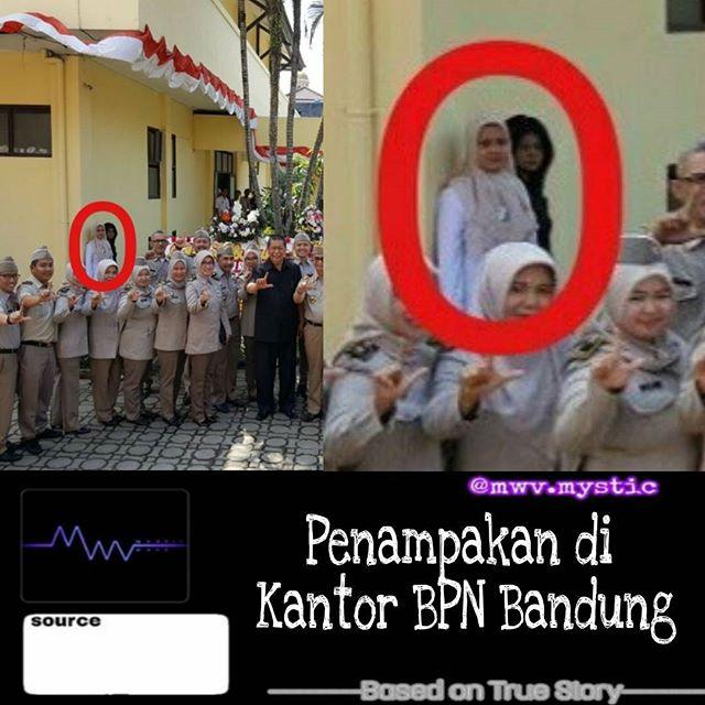 penampakan hantu Ibu di Lingkaran Merah ini Mengaku Sendirian, Tapi Liat Hasil Fotonya Ada Sosok Penampakan