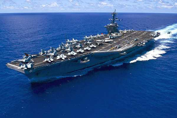 The U.S. Navy aircraft carrier USS Carl Vinson (CVN-70)