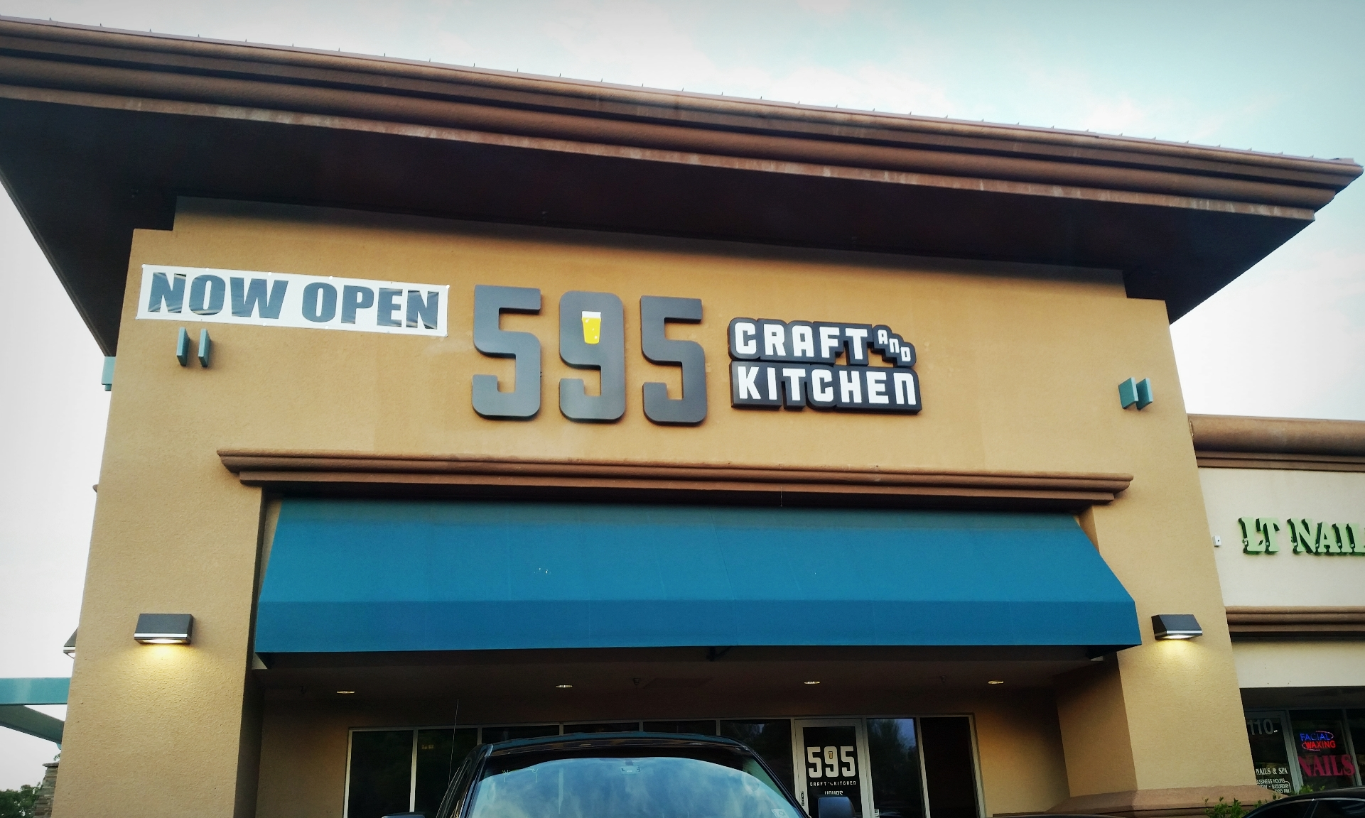 595 Craft and Kitchen – In and Out of Vegas