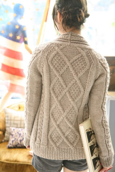 http://www.ravelry.com/patterns/library/aidez