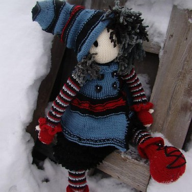http://www.ravelry.com/patterns/library/mysterys-outfit