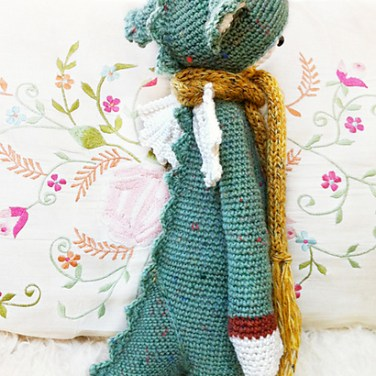 http://www.ravelry.com/patterns/library/dirk---lalylala-crochet-pattern-n-vi---dragon-dinosaur