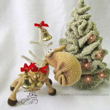 http://www.ravelry.com/patterns/library/027-moose-amigurumi-toy-with-wire-frame-ravelry