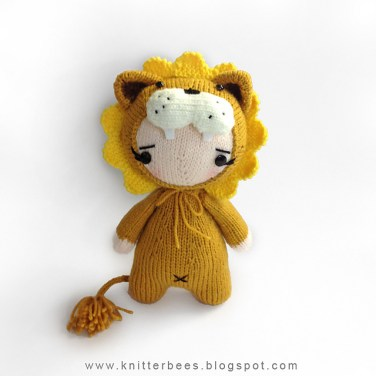 http://www.ravelry.com/patterns/library/lionesie-babe-in-lion-costume