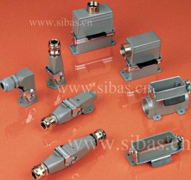Heavy duty electrical conecctor
