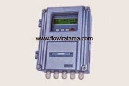 TDS 100 Clamp on ultrasonic flow meter