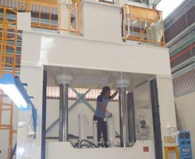 Repair Cylinder Hydraulic dan Pneumatic