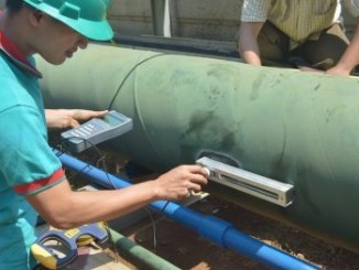 Pengetesan air laut dengan portable flow meter