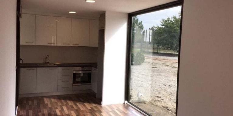 casa-madera-prefabricada-moderna-interior