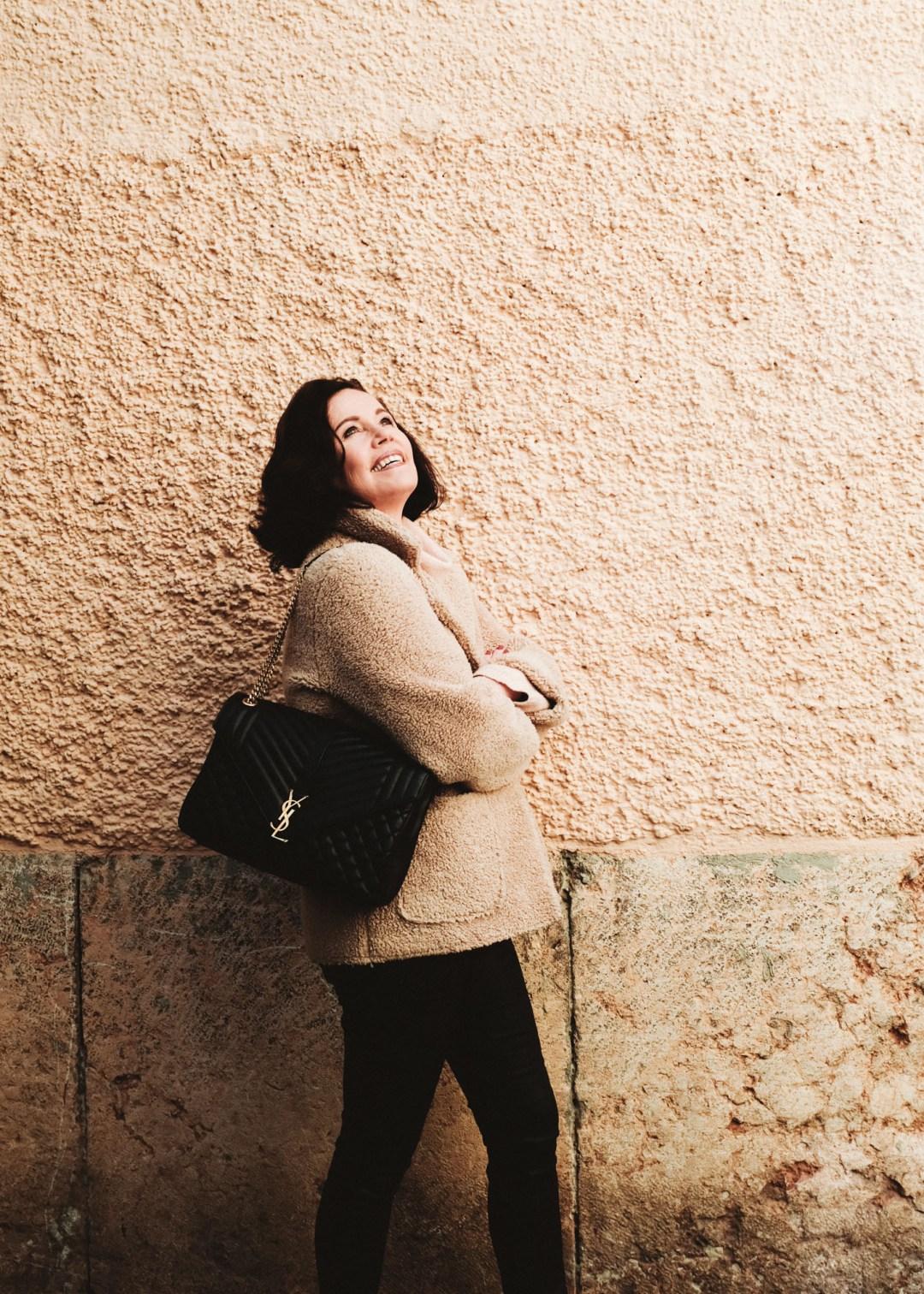 ina stil inastil Herbstoutfit Modeblog Stilberatung Blogwalk Ü50style Herbstmode YSL Tasche Hallein Outfit Streetstyle ageless Herbsttrend Casual Handtasche StylingtippsDSCF1482