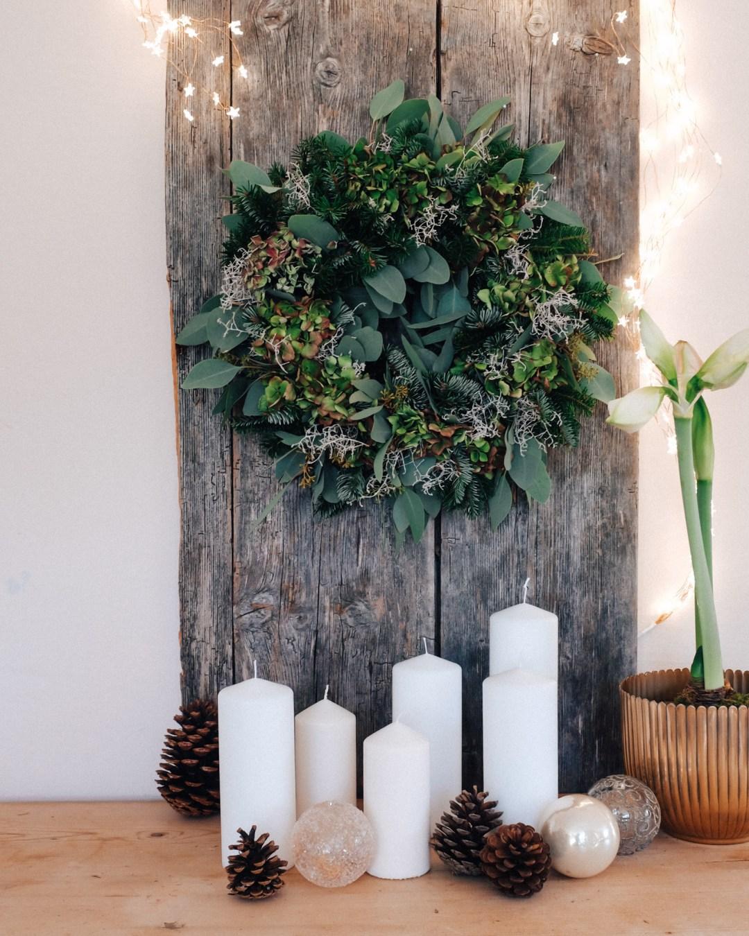 ina stil inastil bluntautal winterstimmung decoration weihnachten salzburgerland winterspaziergang homedecoration winterwalk christmasdecoration christmaswreath eukalyptuskranz hortensienkranzDSCF0562
