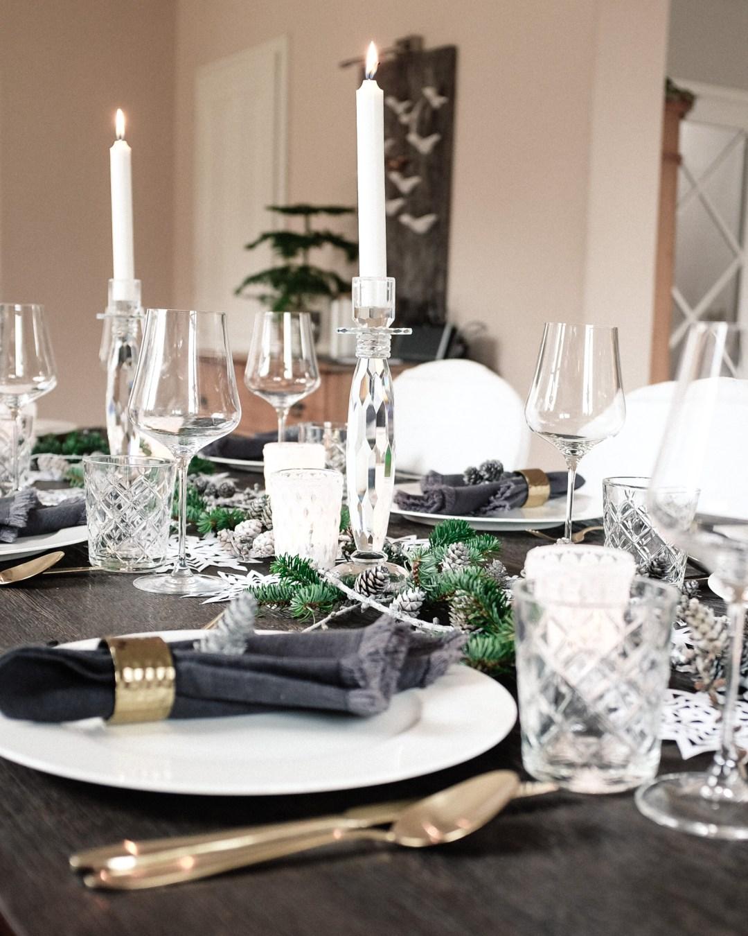 ina stil inastil Tischdekoration Weihnachten Weihnachtsessen Weihnachtssterne Festessen Dekoration christmastime WeihnachtszeitDSCF0832