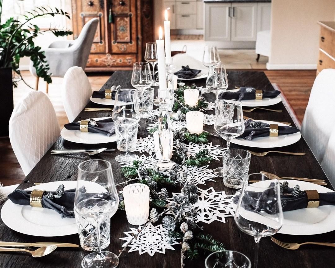 ina stil inastil Tischdekoration Weihnachten Weihnachtsessen Weihnachtssterne Festessen Dekoration christmastime WeihnachtszeitDSCF0865
