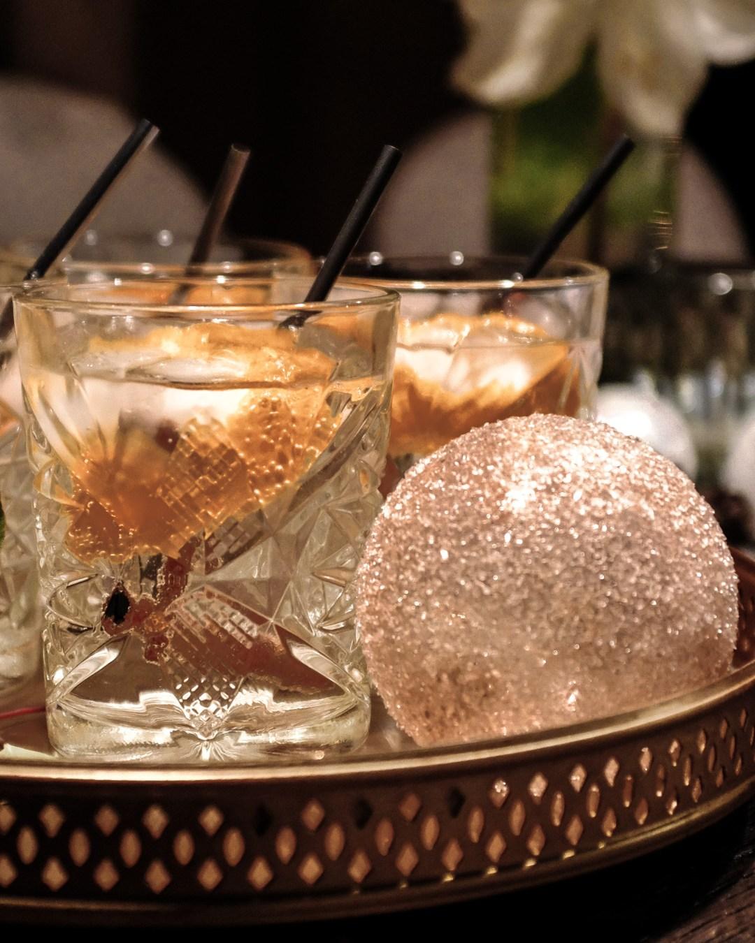 inastil christmastime Weihnachtszeit Partyoutfit Cocktail Gin Cocktailtime GincocktailDSCF2330-2
