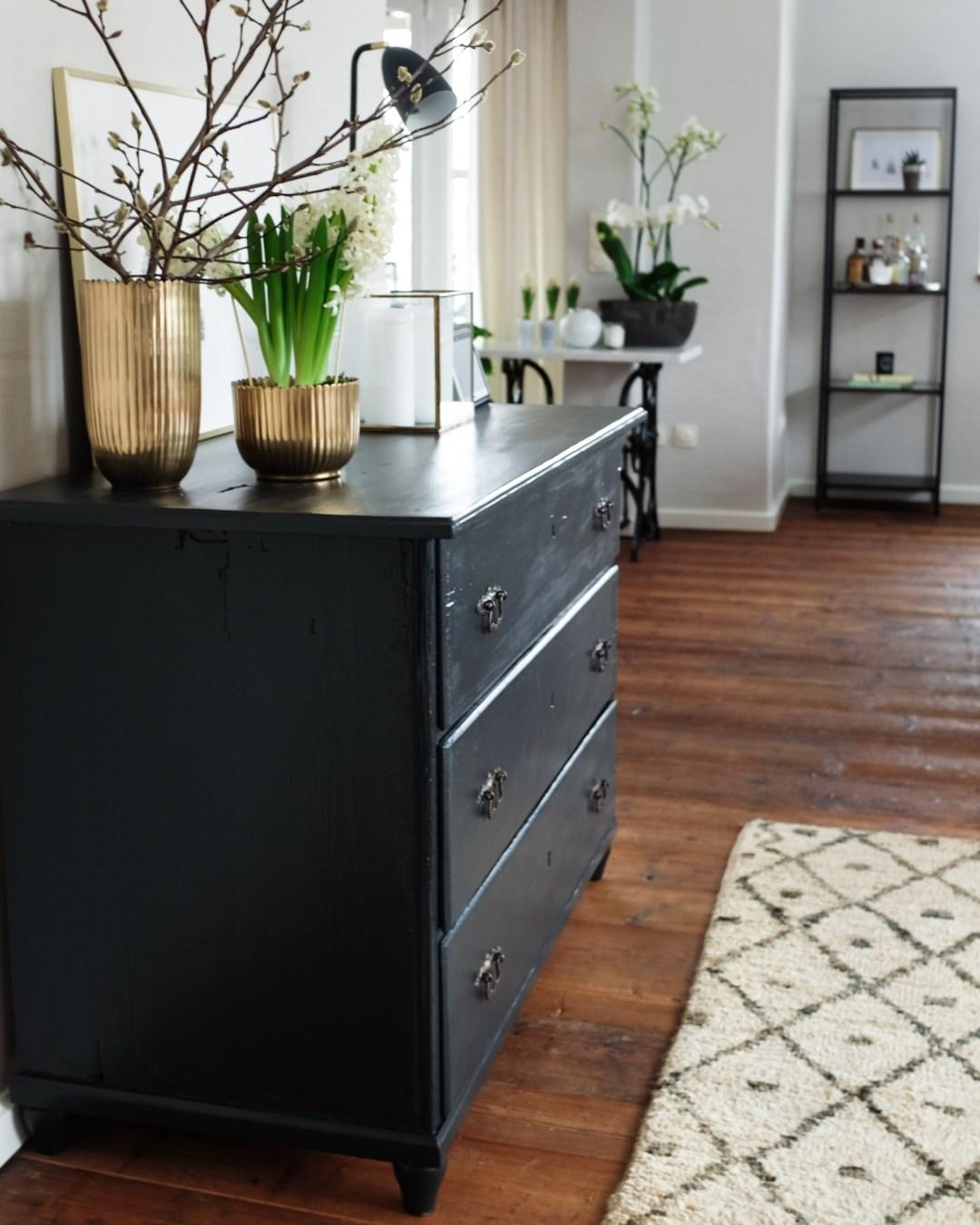 Holzdecke Weiß Streichen Ohne Abschleifen: Alte Kommode Streichen