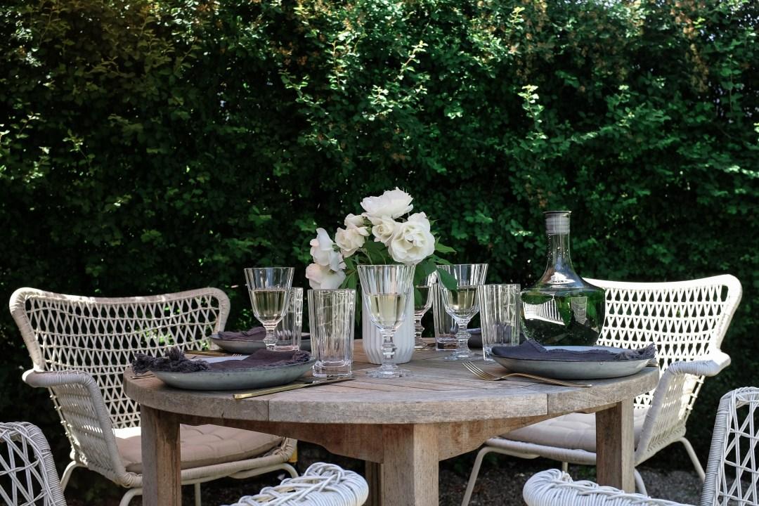 inastil, Ü50Blogger, mein schöner Garten, Sommergarten, Grillen, bestes Grillhähnchen, Sommertisch, toskanisches Platthuhn Rezept, outdoorliving, Rosen, Gartenblicke-4