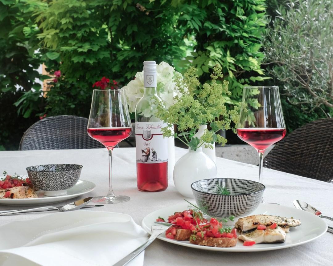 inastil, Bluntautal,Salzburgerland,Tennengau Landschaft. Landscape Sommermenue Gurken Avocado Suppe gedeckter Tisch,Tablesetting Nachspeise Ingwerzitronenschaum Dessert-14