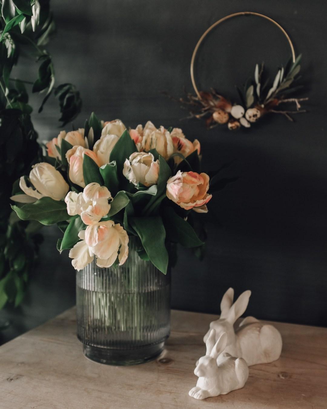Inastil, Frühling2020, Tulpen, Ostrrdekoration, Osterkranz, Dekorationsideen Frühling, Tulpenstrauß, Homestyling, Frühlingsdeko-2