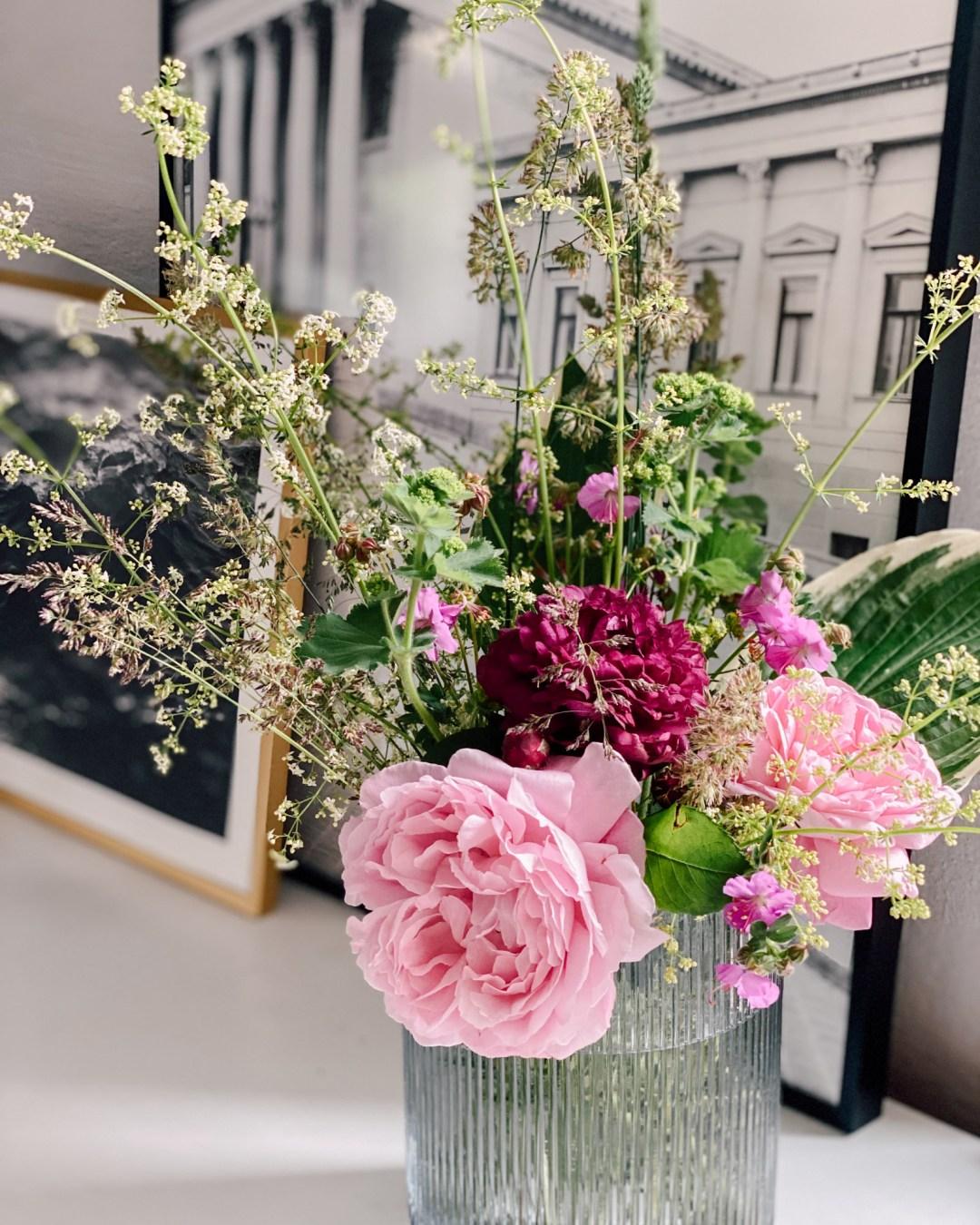 Inastil, Blumenliebe, Blumenstrauß, Dekoration, Blumendekoration, DIY, Gartenblumen, Rosen, Wiesenblumen, Blumenvasen, Homedecor, Dekoration Solebenwir, Daheim-29