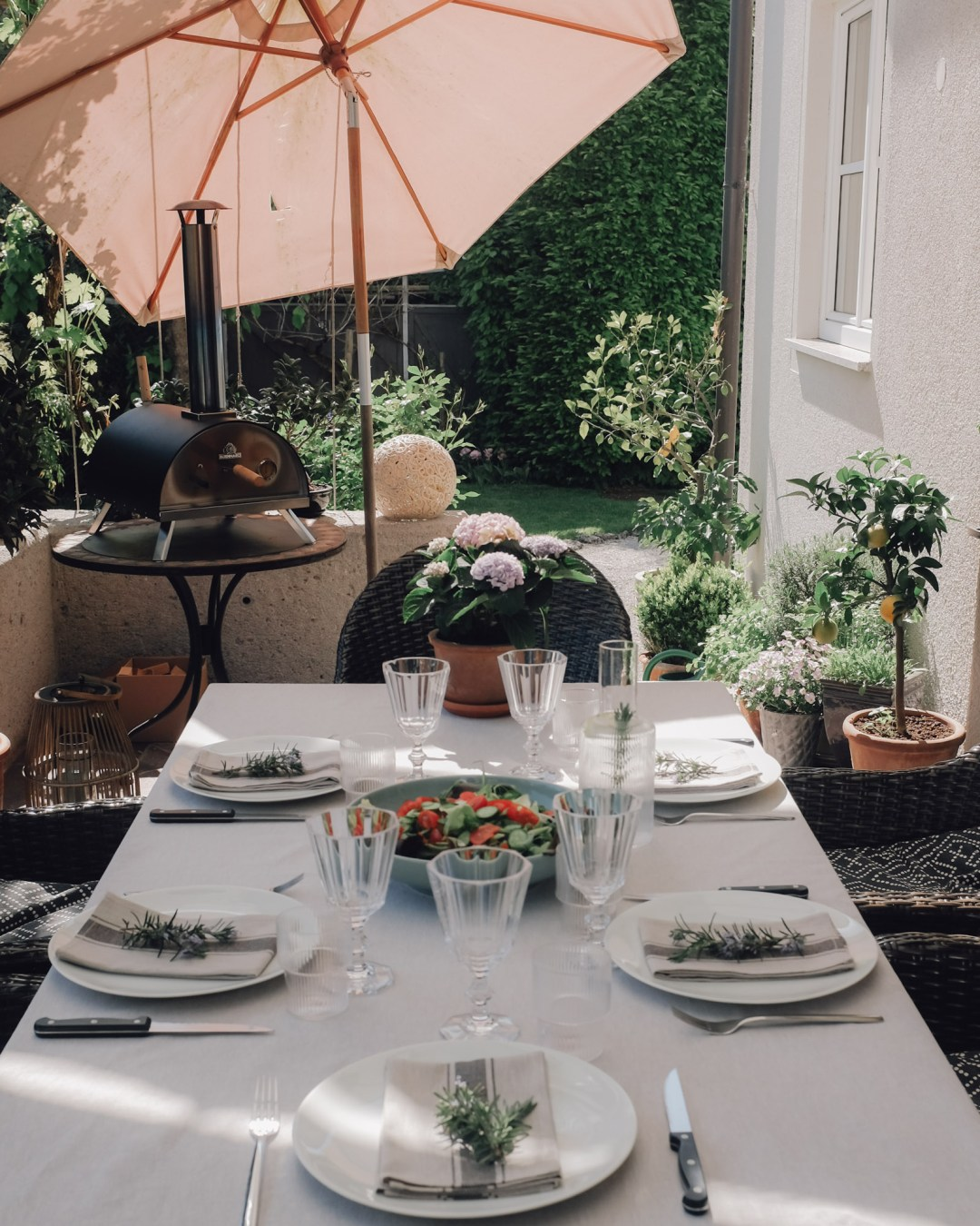 Inastil, Pizza, Pizzaofen, Pizzateig, Tiramisu, Erdbeeren, Erdbeertiramisu, Rezept, Italienische Küche, Italienfeeling, Terrasse-19