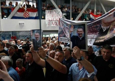 Dario Kordic welcomed in Zagreb 6 June 2014 (Photo: Ranko Suvar/CROPIX)