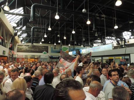 Waiting for Dario Kordic at Zagreb Airport 6 June 2014 (Photo: Marija Tomislava)