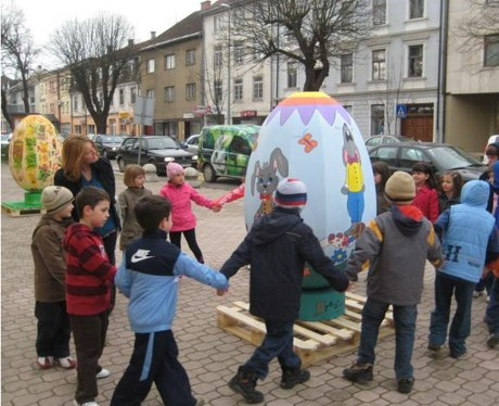 In Otocac the children celebrate love and togetherness
