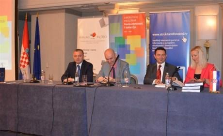From left: Minister Darko Horvat Minister Tomislav Tolusic and Vjeran Vrbanec, president HAMAG-BICRO